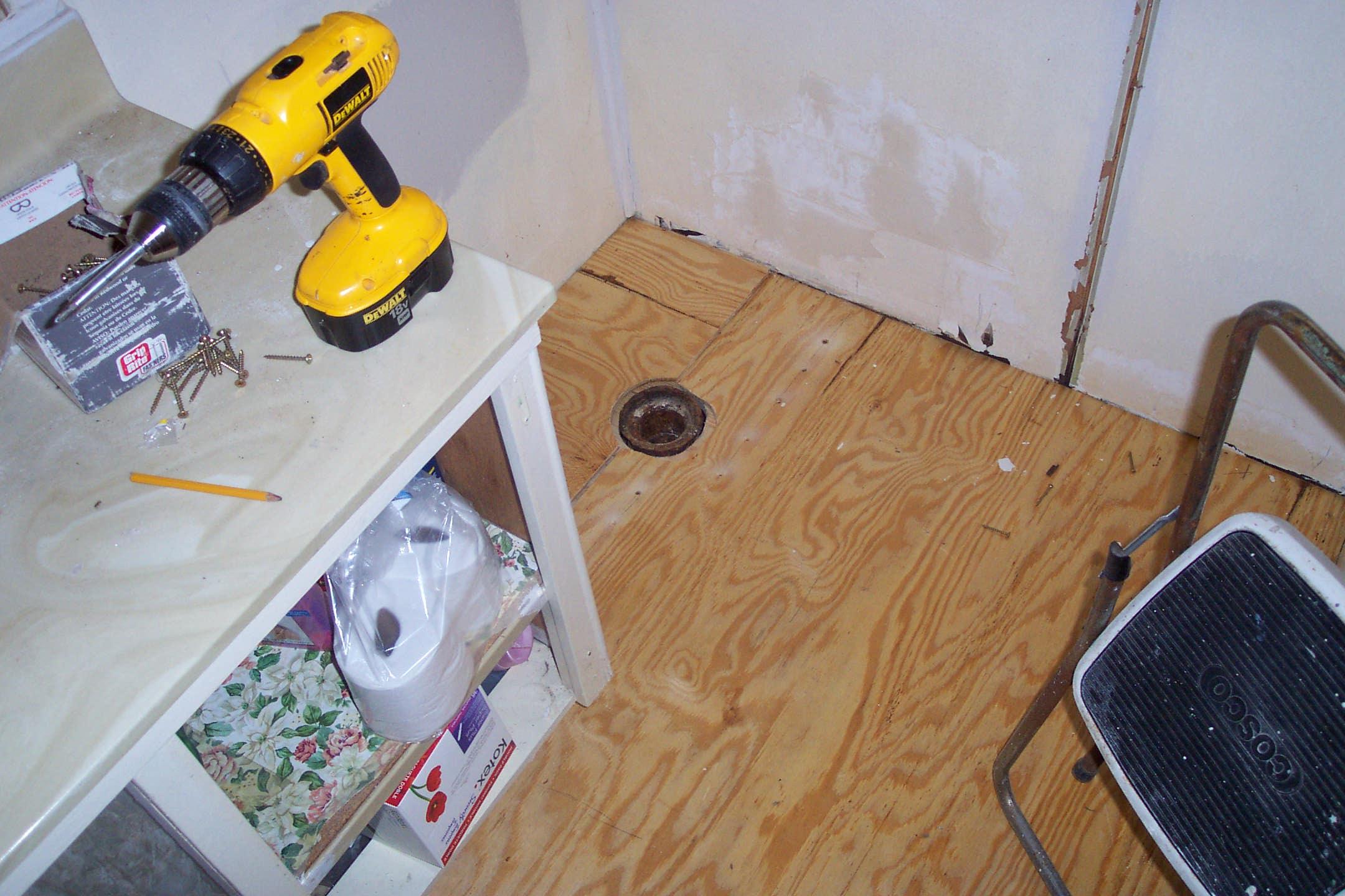Bathroom wood floor repair and toxic mold pictures for Wood floor refurbishment